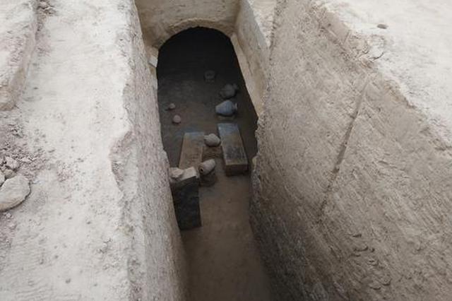 郑州水库再现百余座古墓 还出现砖券墓