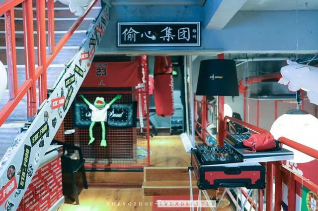 吃个面还能配DJ?这家面馆带你感受最潮的街头文化!
