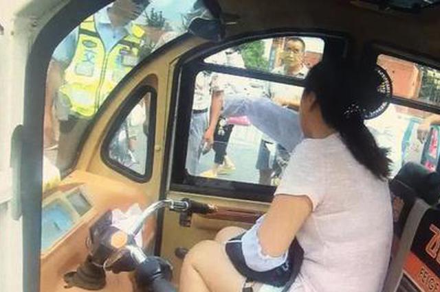 咬伤交警又撒泼!郑州女子因妨碍公务被拘留