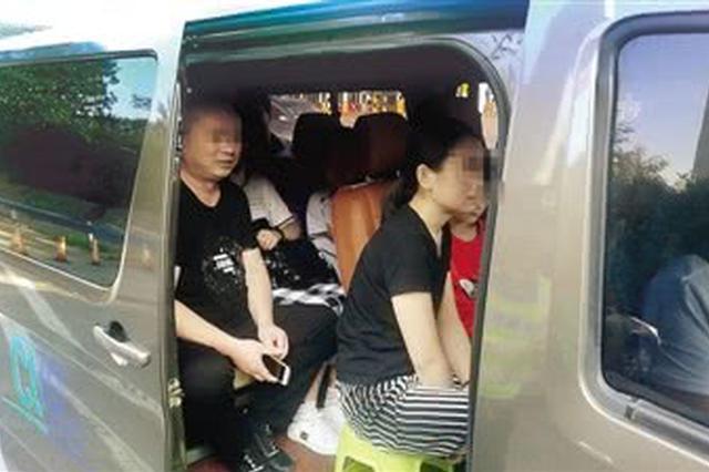 郑州交警高速路口查黑车 司机称没想到会栽在这里