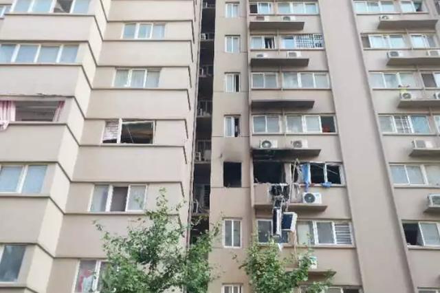 组图:郑州小区凌晨发生爆炸 居民:整个楼都在晃