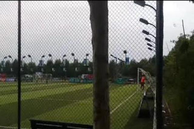 郑州市民公园游玩被撵走 原是有人圈地搞经营