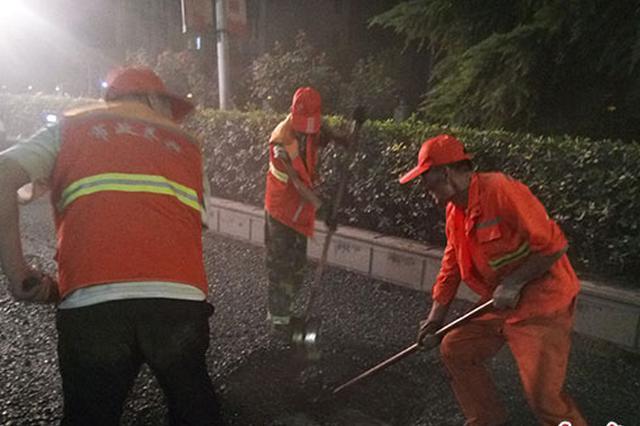 郑州中原路西三环开展夏季养护 夜间施工不断路