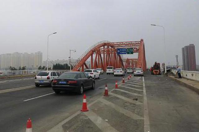郑州彩虹桥要大修? 正在搭铁路防护棚 预计明年大修