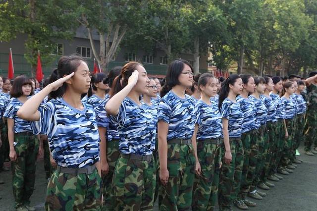 """河南""""军训课表""""确定 大学生和高中生军事训练是必修"""
