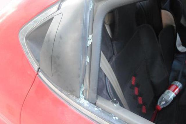 郑州:男子连砸6辆车盗窃 主要选择轿车、越野车下手