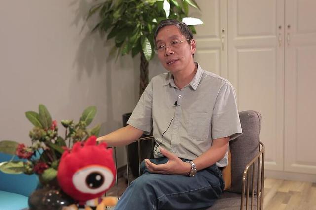 新浪河南专访知名心电学专家李中健 解答心电图中的奥秘