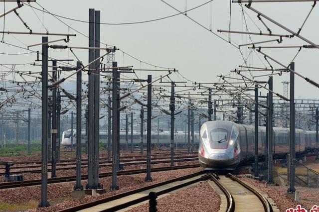 助力假期出游 郑州铁路新加开2趟成都方向高铁列车