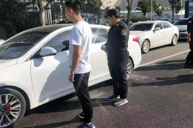 郑东新区严打非法运营 增强市民交通法制观念