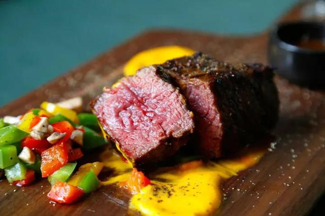 来这五家颜值味道都在线的西餐厅,给周二加点料吧!