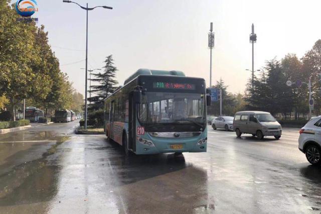 郑州210路公交车发车太慢 背后的原因是?