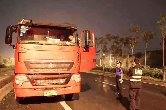 郑州每个工地每辆渣土车都要登记 将进行抽查检查