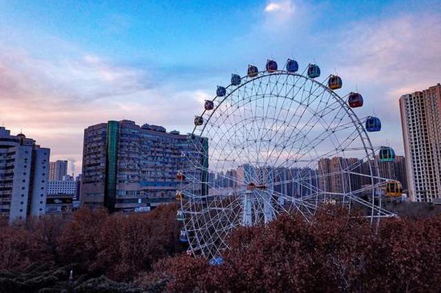 组图:郑州告别阴霾 再见蓝天