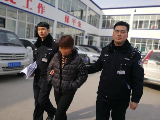 私加散装油引发大火 龙湖镇黑加油车老板自首被刑拘