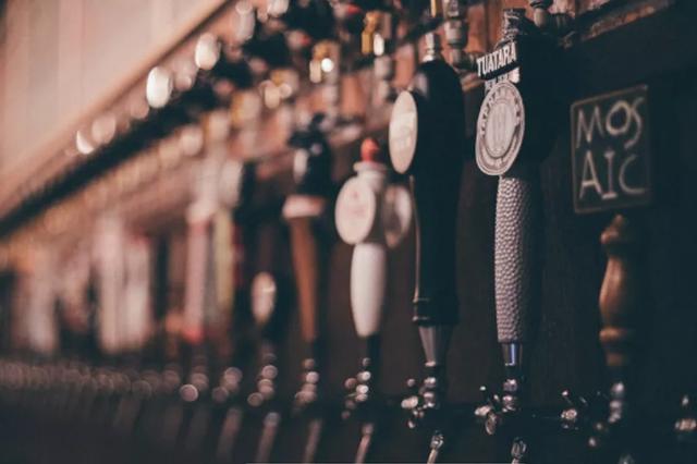 这家隐于闹市的精酿酒吧,拯救你的冬日低气压!