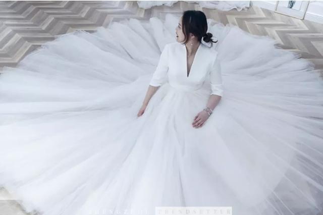 郑州这家超难约的高定婚纱礼服,终于被潮妹找到了!