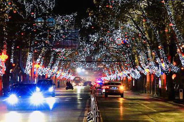 郑州126条道路夜景灯全部放亮 部分射灯长期保留