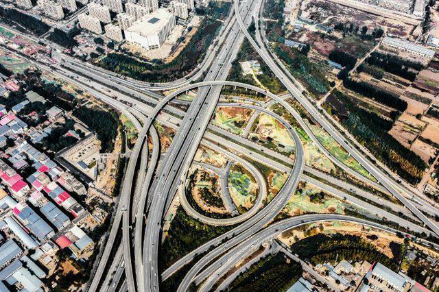 今年郑州计划建设项目14个 新建改建公路超过100公里
