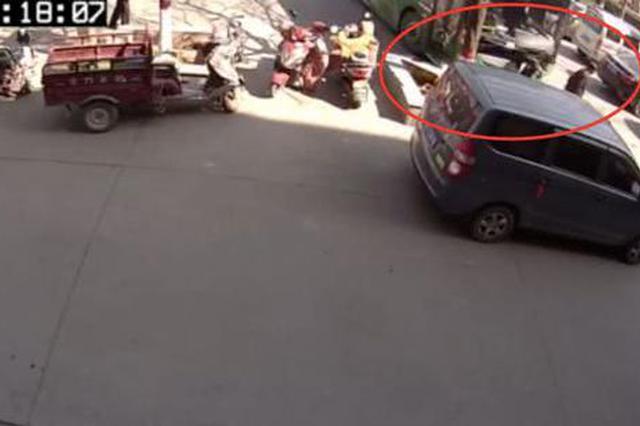 偃师发生公交车与行人相撞事故 致两人死亡
