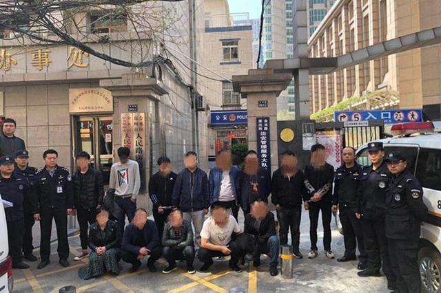 高价伪劣保健品专骗男性 郑州警方捣毁13人诈骗窝点
