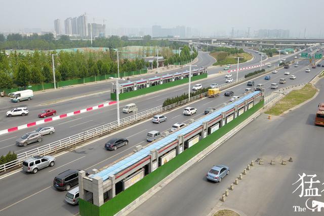 """郑州西三环一""""僵尸""""BRT站点长期不使用成""""摆设"""""""