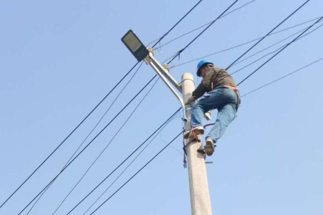 路燈又不亮了?鄭州開展專項整治 96條道路已恢復照明