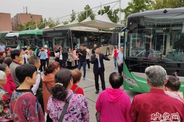 郑州公交日均客流量达260万人次 新能源车辆占比97%