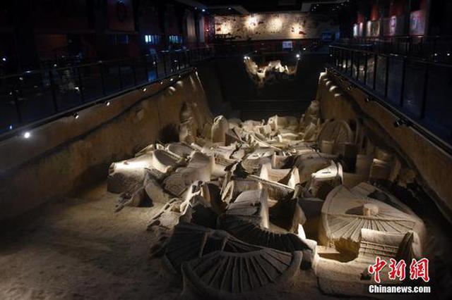 河南新郑市博物馆展示春秋战国时期文物(图)