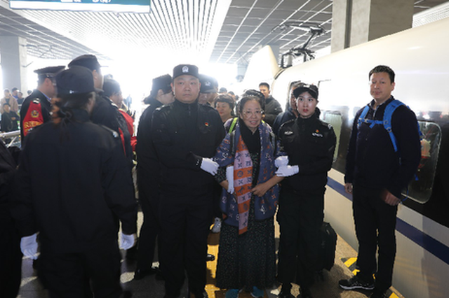 涉案13.6亿!郑州警方古巴遣返押解外逃经济犯罪嫌疑人