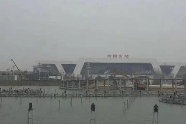 南阳公园观光桥刚建就拆?官方:系亲水栈道改造提升