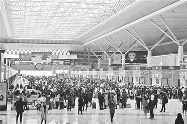 郑铁加开临客239对 服务春运旅客出行