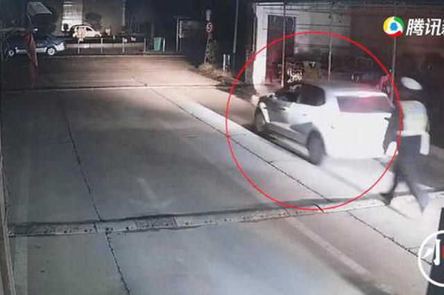 开封一司机醉驾被查 乘客趁机溜走结果悲剧了