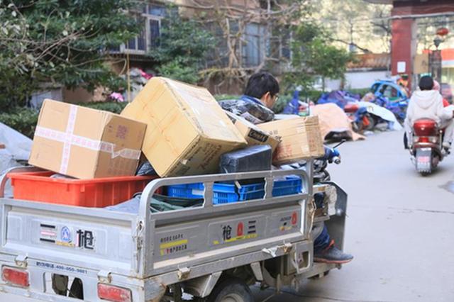 河南外卖小哥调查报告出炉:遭高档消费群体职业歧视