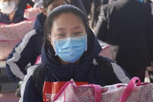 郑州姑娘入方舱医院前表白父母:我在武汉挺好的