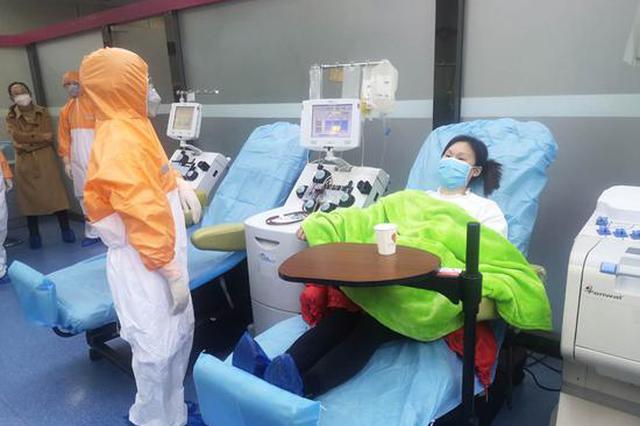周口:新冠肺炎康复患者首次献血