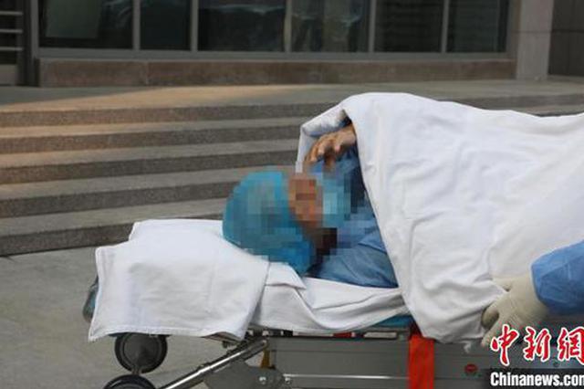 河南94岁奶奶治愈出院:谢谢你们 我要回家了!