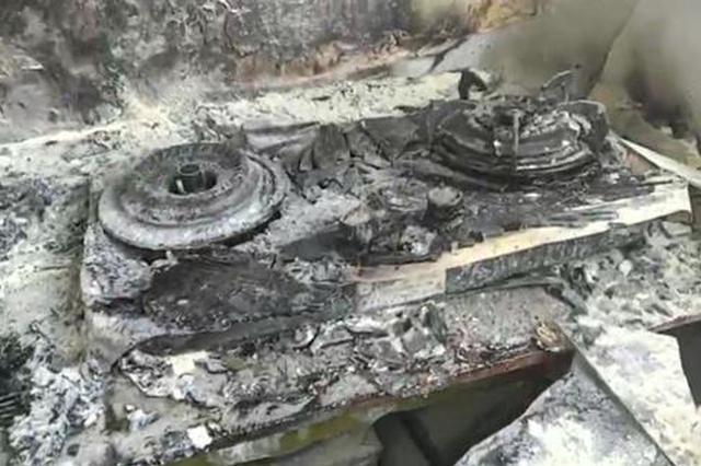油锅起火引发厨房爆燃 只因郑州这名女子错误方法扑救