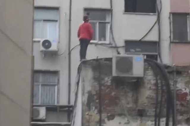 """平顶山少年被吵后两次要跳楼:""""不要爸爸来接"""""""