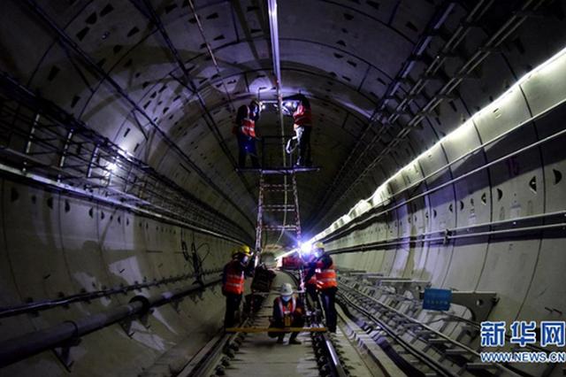 组图:郑州地铁4号线加紧建设