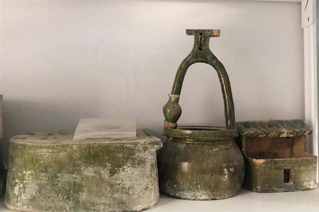 黄河边发现大型古墓群 出土文物2000余件