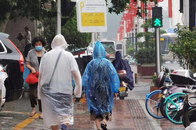 组图:郑州午后突降大雨
