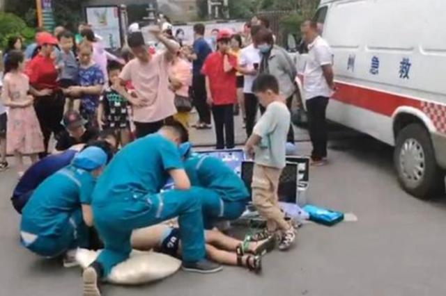 """郑州景观池8岁男童触电身亡 疑因""""裸线""""惹的祸"""