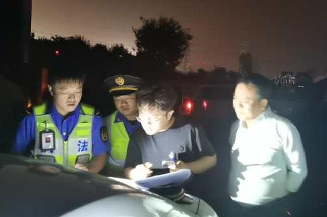 郑州城管执法部门重拳治理夜间扬尘污染防控