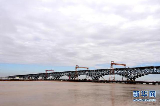 郑济铁路郑州黄河特大桥加紧建设(图)