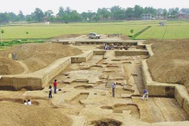 """二里头遗址考古有新发现 """"井""""字形道路延伸范围更大"""