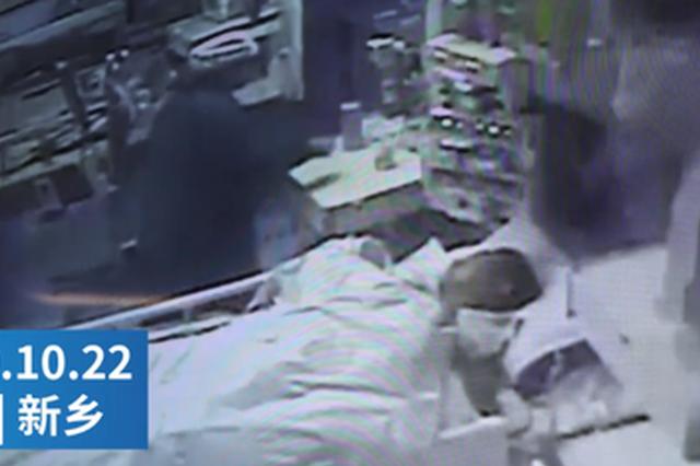 新乡护士被患者咬伤拒绝回家休息:医护工作者不娇气