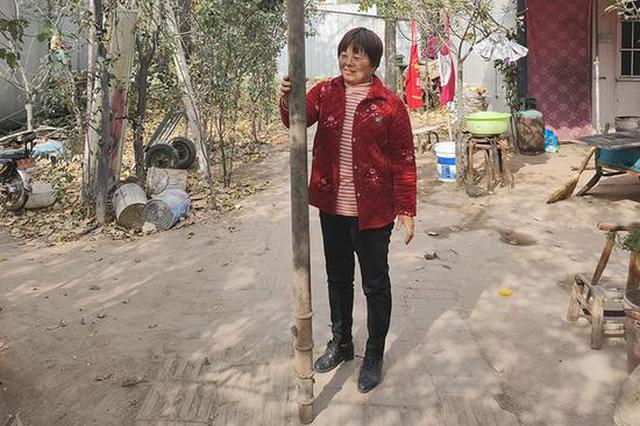 """谁敢""""称王称霸""""!近3米长的大杆秤惊现郑州"""