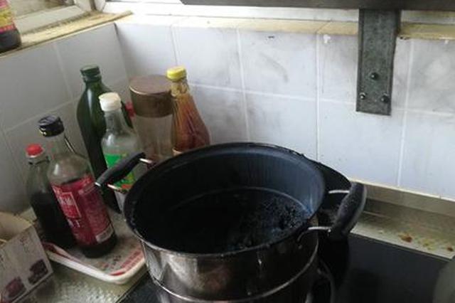 郑州粗心男子炖着排骨出门遛弯 厨房爆炸门窗被炸飞