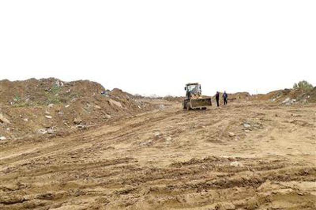 郑州一500米路段成垃圾场 执法叫停竟不管用?