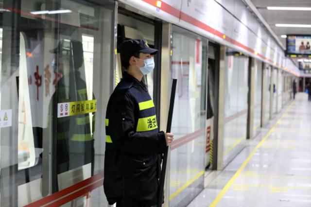 单双号限行期间郑州地铁加开班次 全力保障乘客出行